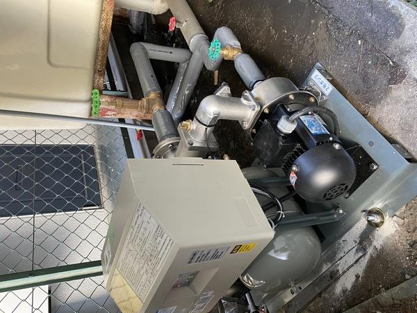 松原市で加圧ポンプの交換